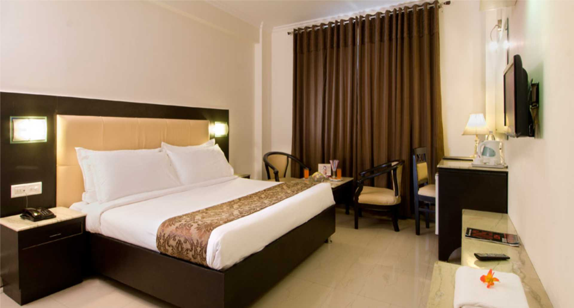 Hotel accommodation in Agra